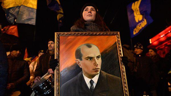 """Глава """"новой церкви"""" Украины назвал Бандеру """"гением национального духа"""""""