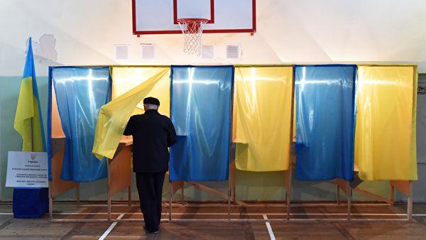 Полиция Украины получила более 150 сообщений о нарушениях на выборах