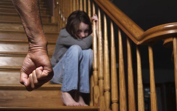 Пятеро детей изнасилованы за сутки: в Нацполиции бьют тревогу и-за педофилии на Украине