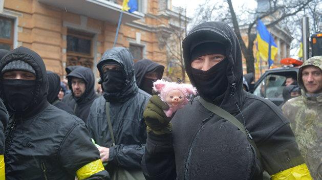 Украинские националисты готовы формировать мобильные группы боевиков для отправки в Донбасс
