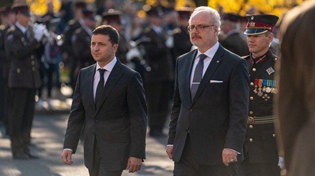 Помощники Зеленского не смогли отличить Латвию от Литвы