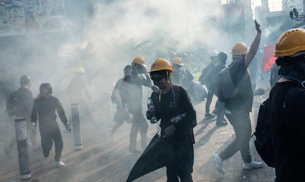 Украинские боевики в Гонконге получают $200 в сутки – блогер Карманов