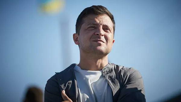 Зеленский пообещал большой парад после завершения конфликта в Донбассе