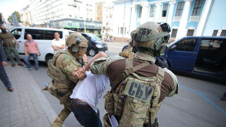 """Захватчику банка в киевском бизнес-центре """"Леонардо""""сообщили о подозрении"""
